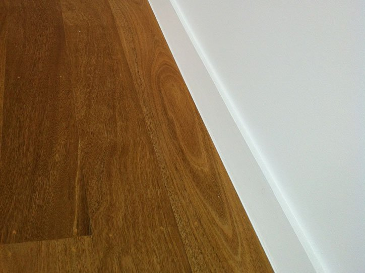 Internal Silicone to Skirtings